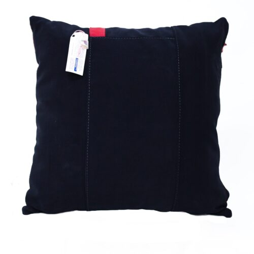 cuscino bianco nero e rosso - Sartoria Sociale