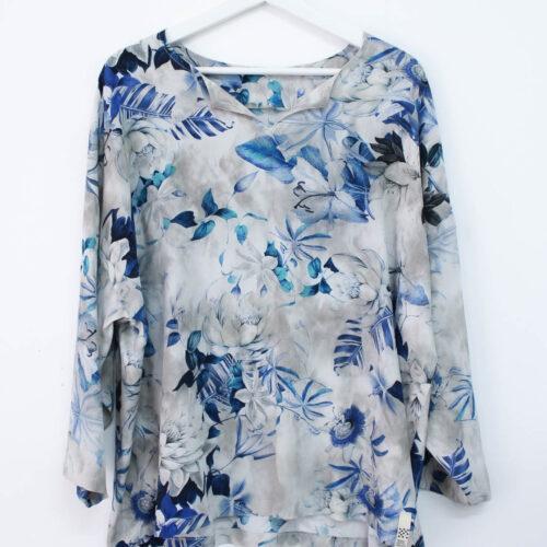 Casacca grigia con motivo floreale - sartoria sociale - abbigliamento sostenibile