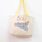 Tote bag con stampa siciliana blu – Sartoria Sociale shop online